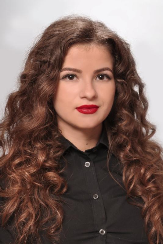 Raluca Badea <br /> Marketing & Sales Manager